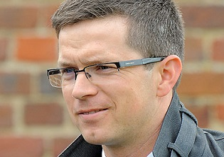 Pilaster goes for four at Donny