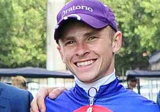 Hewitson to star at Fairview