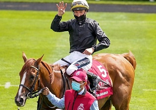 4th Cup for Stradivarius